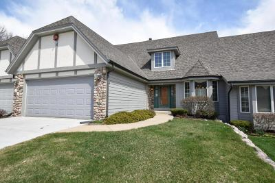 Brookfield Condo/Townhouse For Sale: 19070 Stonehedge Dr #C