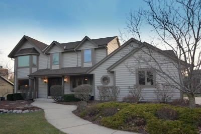 Muskego Single Family Home Active Contingent With Offer: W199s7839 Sanctuary Ct