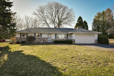 Port Washington Single Family Home Active Contingent With Offer: 3462 Green Bay Rd