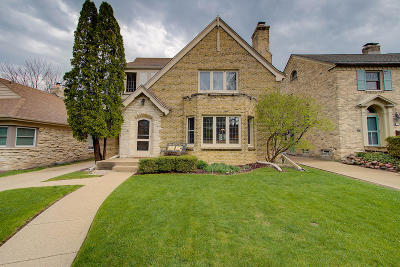 Whitefish Bay Single Family Home For Sale: 4788 N Newhall St