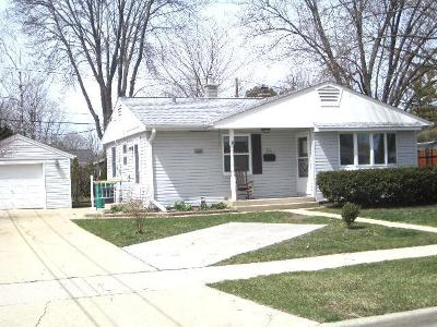 Cedarburg Single Family Home For Sale: W65n433 Westlawn #Ave