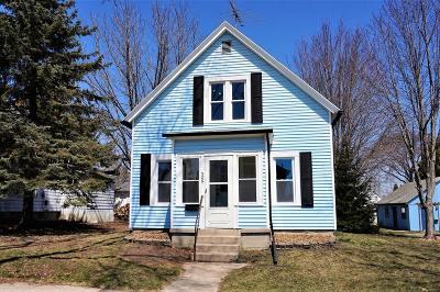 Port Washington Single Family Home For Sale: 526 W Michigan St