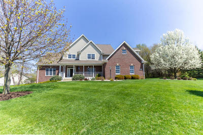 Racine County Single Family Home For Sale: 30840 Royal Hill Rd