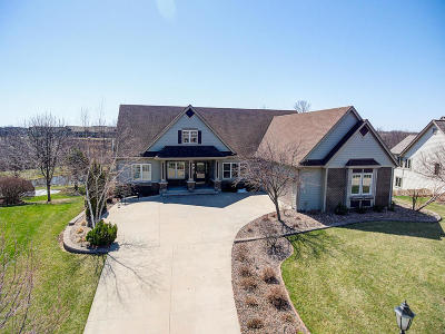 Pewaukee Single Family Home Active Contingent With Offer: W243n2708 Creekside Ct