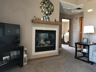 Muskego Condo/Townhouse Active Contingent With Offer: W169s7609 Gregory Dr #G