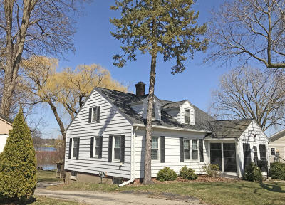 Oconomowoc Single Family Home Active Contingent With Offer: 352 W Wisconsin Ave