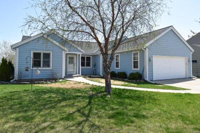 Port Washington Single Family Home For Sale: 128 Martin Dr