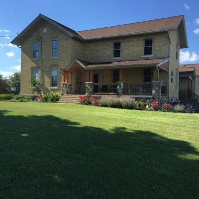 Hartford Single Family Home Active Contingent With Offer: 7122 County Highway O