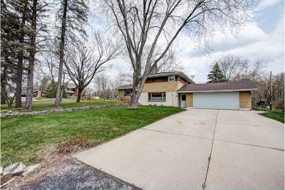 Muskego Single Family Home Active Contingent With Offer: W124s6850 Skylark Ln