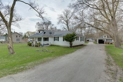 Pleasant Prairie Single Family Home For Sale: 8902 Cooper Rd