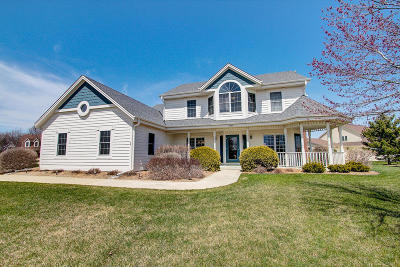Waukesha Single Family Home For Sale: 2800 River Point Ct