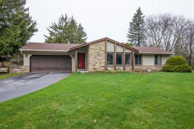 Menomonee Falls Single Family Home Active Contingent With Offer: W136n8315 Parkview Dr