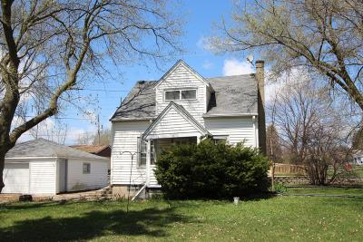 Greenfield Single Family Home Active Contingent With Offer: 8900 W Plainfield Ave