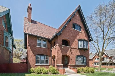 Milwaukee Single Family Home For Sale: 2977 N Shepard Ave