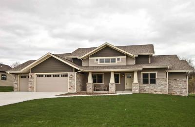 Racine County Single Family Home Active Contingent With Offer: 4938 Copper Leaf Blvd