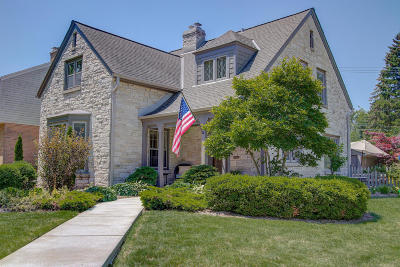 Whitefish Bay Single Family Home For Sale: 4973 N Newhall St