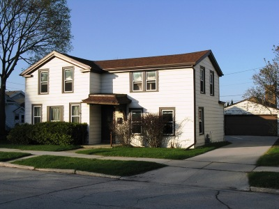 Sheboygan Falls Single Family Home For Sale: 624 Detroit St