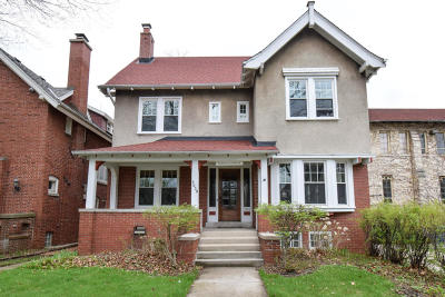 Milwaukee Single Family Home For Sale: 3059 N Prospect Ave
