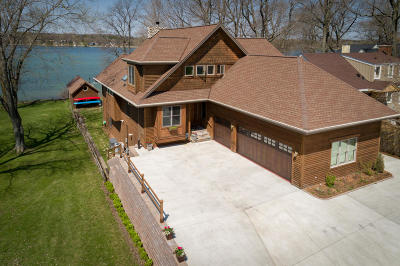 West Bend Single Family Home Active Contingent With Offer: 5729 Wagner Ln