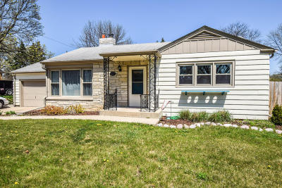 Racine Single Family Home Active Contingent With Offer: 3620 Osborne Blvd