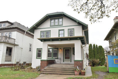 Milwaukee Single Family Home Active Contingent With Offer: 3019 N Prospect Ave