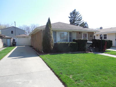 Racine Single Family Home Active Contingent With Offer: 3407 Pierce Blvd