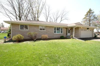 Mukwonago Single Family Home For Sale: 415 Blood St
