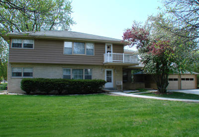 Wauwatosa WI Two Family Home Active Contingent With Offer: $295,000