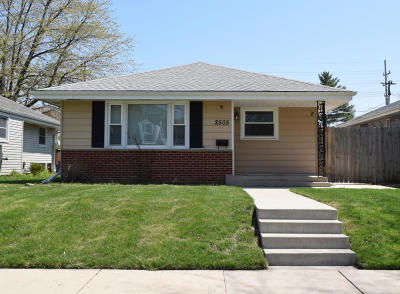 Racine Single Family Home Active Contingent With Offer: 2505 Grove Ave