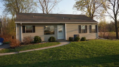 Pewaukee Single Family Home For Sale: 762 W Wisconsin Ave