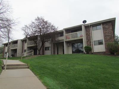 Condo/Townhouse Active Contingent With Offer: 629 Westridge Dr #4