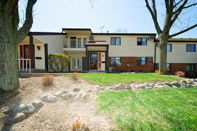 Greenfield Condo/Townhouse Active Contingent With Offer: 4225 S Ridgewood Ln