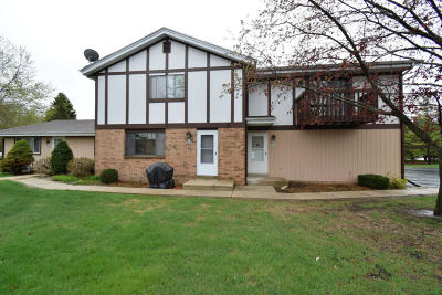 Cedarburg Condo/Townhouse For Sale: N87w6841 Evergreen Ct