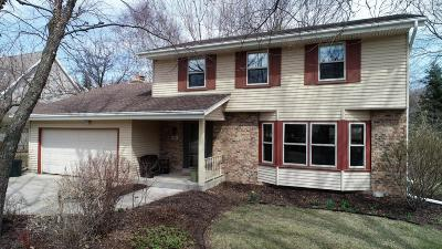 Grafton Single Family Home Active Contingent With Offer: 1868 Blackhawk Dr