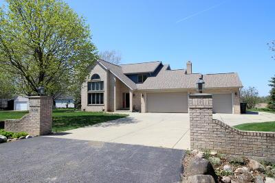 Lake Geneva Single Family Home For Sale: N1580 Clover Rd