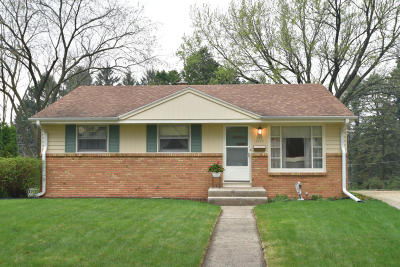 Cedarburg Single Family Home Active Contingent With Offer: W60n779 Jefferson Ave