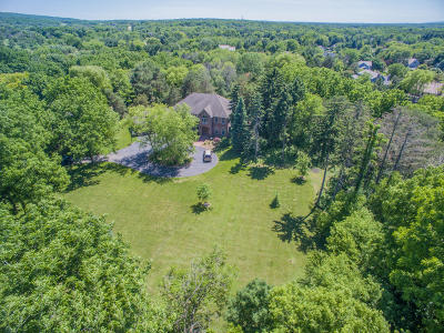 Delafield Single Family Home Active Contingent With Offer: W36 Oakwood Dr