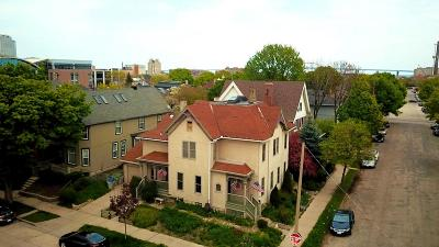 Milwaukee WI Condo/Townhouse For Sale: $325,000