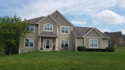 Pewaukee Single Family Home Active Contingent With Offer: W226n3660 Wethersfield Rd