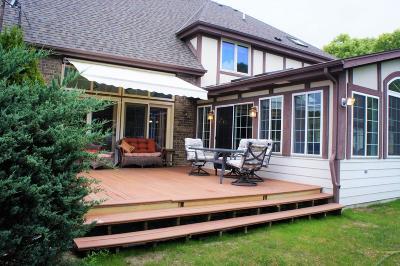 Pewaukee Single Family Home For Sale: W236n3360 Fieldside Ct