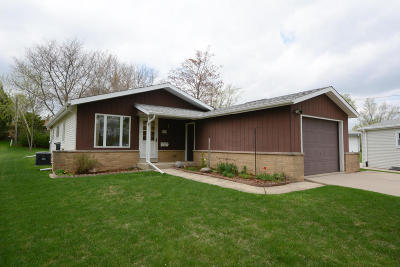 Menomonee Falls Single Family Home Active Contingent With Offer: W182n8445 Bryn Mawr Ct