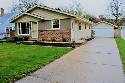 Kenosha Single Family Home Active Contingent With Offer: 4219 Wilson