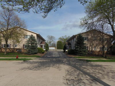 West Allis Multi Family Home For Sale: 2176 S 95th St 2182