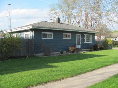 South Milwaukee Single Family Home Active Contingent With Offer: 902 Columbia Ave