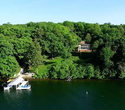 Lake Geneva Single Family Home For Sale: 1820 Valley Park Rd