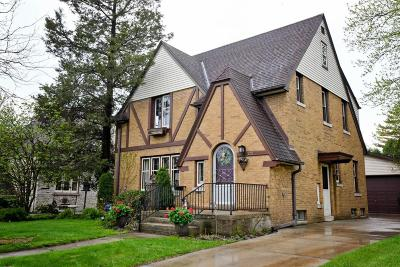 West Bend Single Family Home Active Contingent With Offer: 322 S 10th Ave