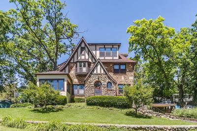 Williams Bay Single Family Home For Sale: 546 Park Ridge Rd