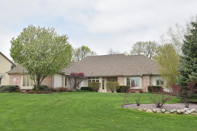 Washington County Single Family Home For Sale: N99w14562 Amber Dr