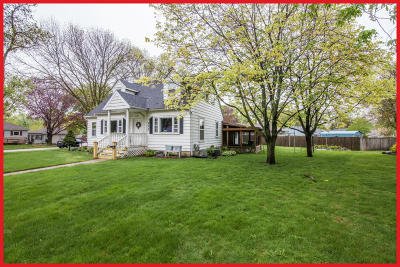 Jefferson Single Family Home For Sale: 800 Wisconsin Dr