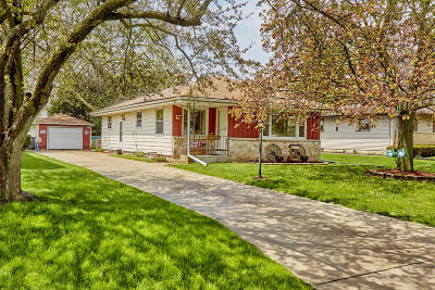 Hales Corners Single Family Home Active Contingent With Offer: 5421 S 115th St